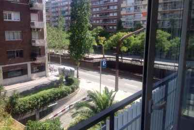 Bright spacious 3 bedroom apartment in Barcelona
